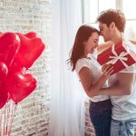 How to Impress Your Girlfriend on Valentine's Day-Love gifts and Valentine gifts